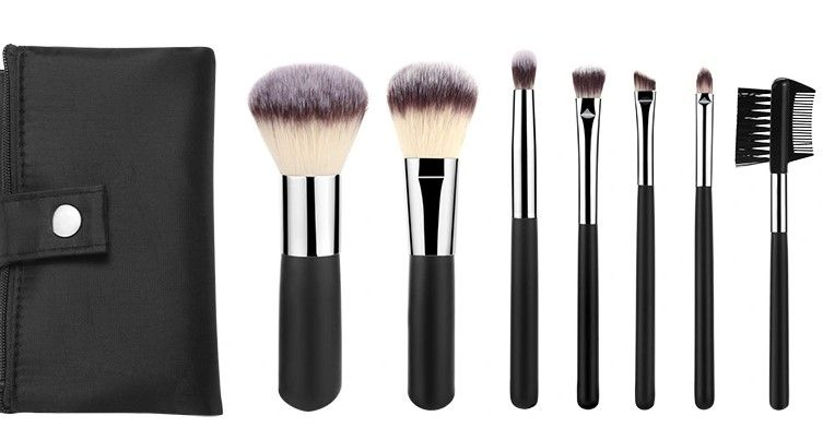 Travel-Light Makeup Brush Set with Folded Pouch